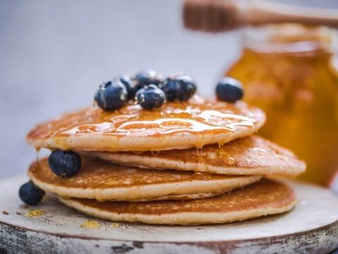 light-n-fluffy-gluten-free-pancakes_dac8b005ac804ba1bdf2788d4acd9351