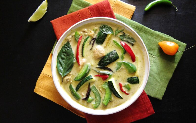 Instant-Pot-Thai-Green-Curry-with-Chicken-L2